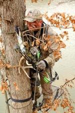 Tree_stand_hunter_compressed